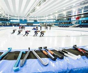 Nieuw op NPO 1: schaatswedstrijd voor BN'ers