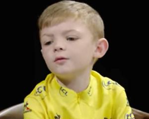 Videosnack: Lief! Kinderen interviewen wielerteam Sky
