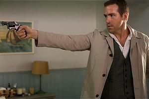 Ben Kingsley kruipt in het lichaam van Ryan Reynolds