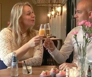 Videosnack: 'Steenrijk' gezin spendeert 2500 euro per week