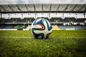 Eredivisie: Stunten tegen topclubs