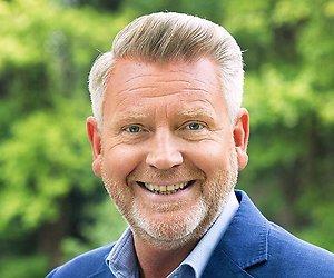 Sybrand Niessen presentator MAX PubQuiz