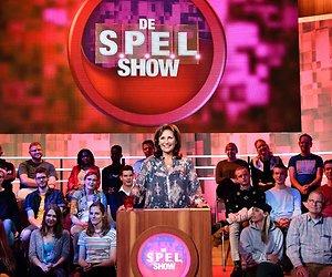 De TV van gisteren: Prima start voor S.P.E.L.show met Astrid Joosten