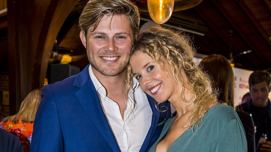 Tim Douwsma en vriendin Elske krijgen een zoon