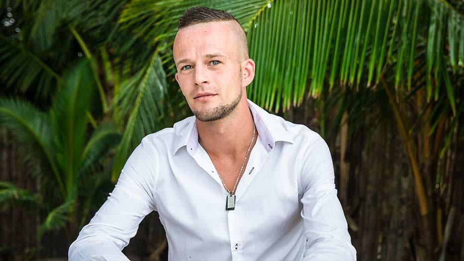 Tim van Temptation Island wil ex Deborah op zijn huwelijk