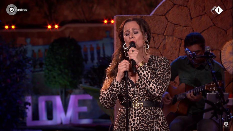 Videosnack: Trijntje Oosterhuis zingt The First Time bij Beste Zangers