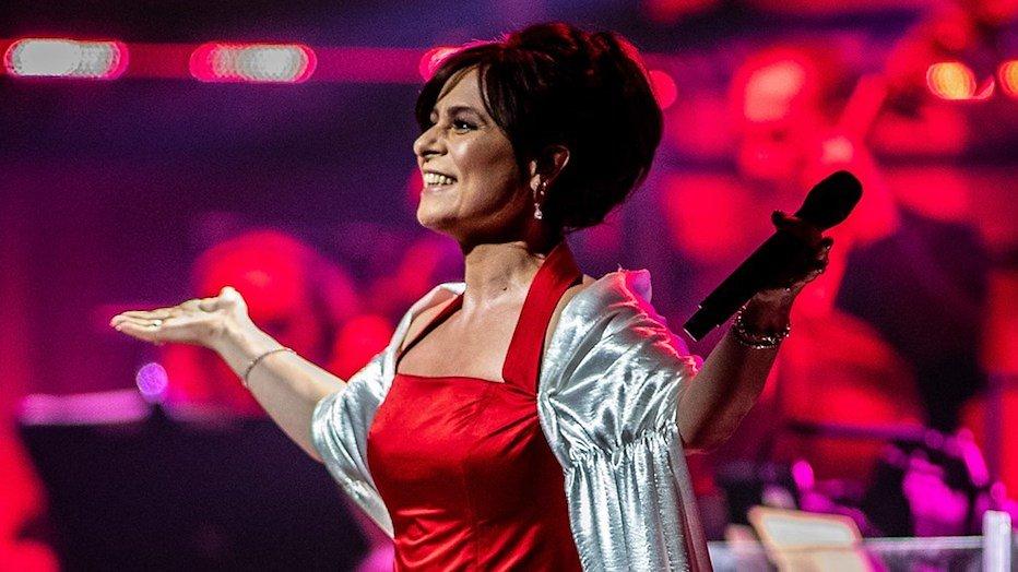 Gelukt: Trijntje draagt opnieuw ArenA-jurk uit 1996