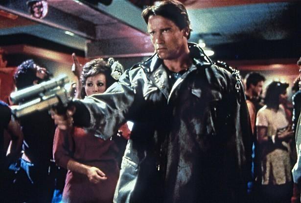 Arnold Schwarzenegger reist terug in de tijd