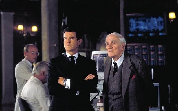 Pierce Brosnan en de oliepijp