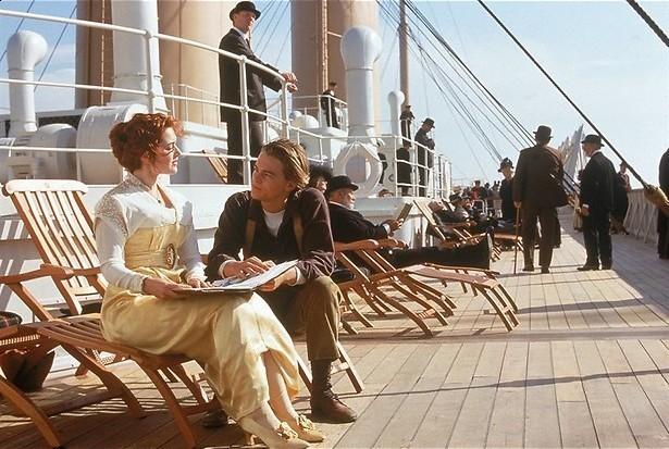 Leonardo DiCaprio is op Kate Winslet