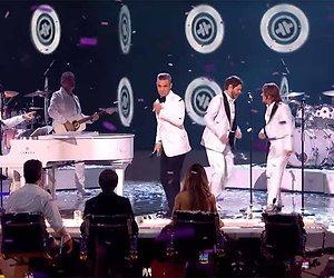Videosnack: Robbie Williams en Take That herenigd bij X Factor