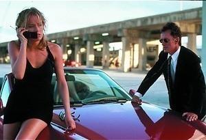 Sylvester Stallone helpt Sharon Stone