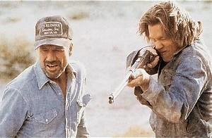 Kevin Bacon verslaat megawormen