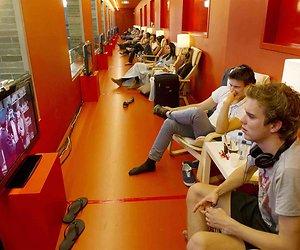 We kijken veel meer tv sinds coronacrisis
