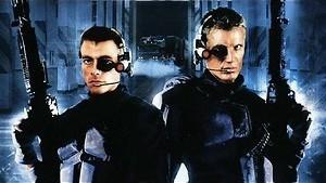 Jean-Claude Van Damme is een robotsoldaat
