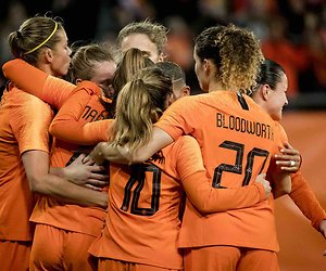 De TV van gisteren: Oranjevrouwen naar het WK voor 1,6 miljoen kijkers