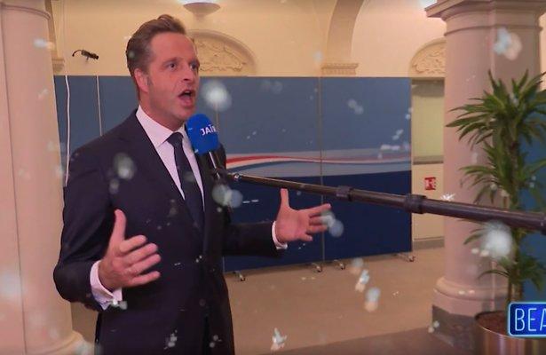 Videosnack: Hugo de Jonge zingt White Christmas