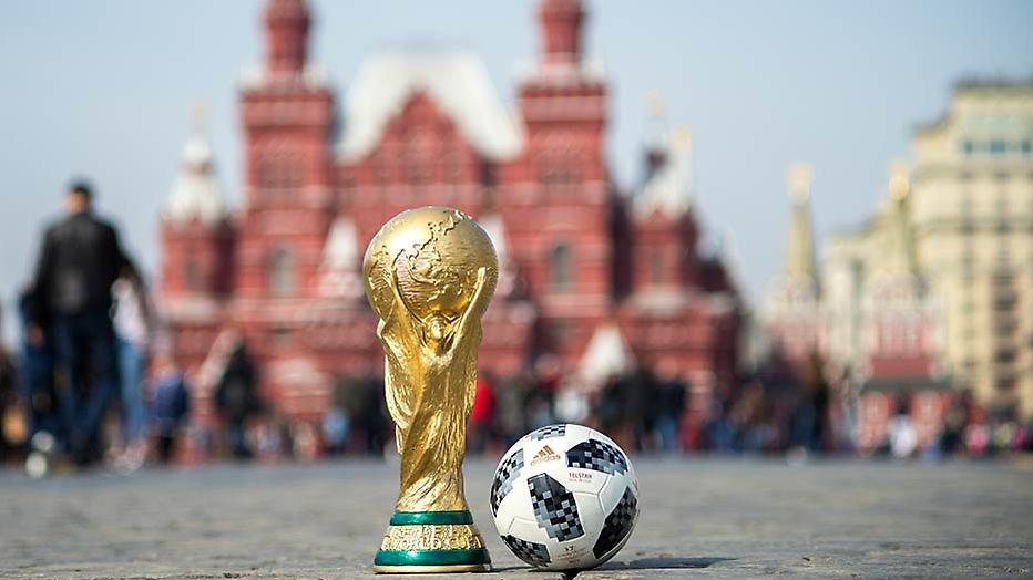 De aftrap van het WK voetbal met Robbie Williams en Rusland tegen Saoudi-Arabië