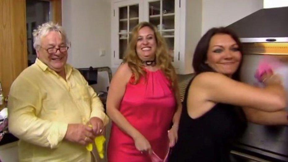 RTL 4 laat mensen de afwas doen bij BN'ers