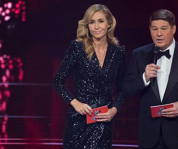 Wendy van Dijk schuift zichzelf naar voren als presentatrice Eurovisie Songfestival