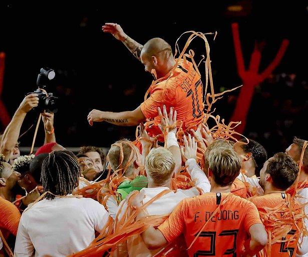 De TV van gisteren: 1,8 miljoen zien afscheid Wesley Sneijder