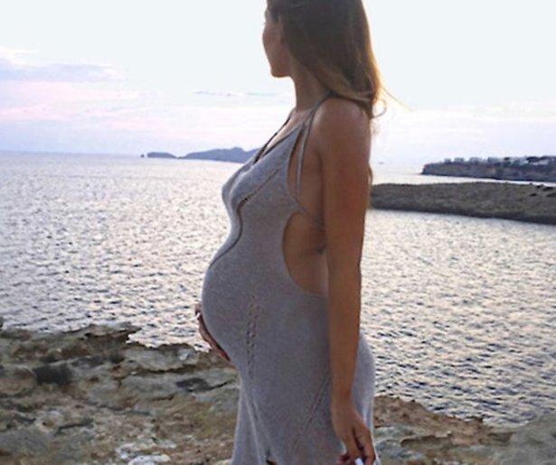 Yolanthe Sneijder-Cabau bevallen van zoontje Xess Xava