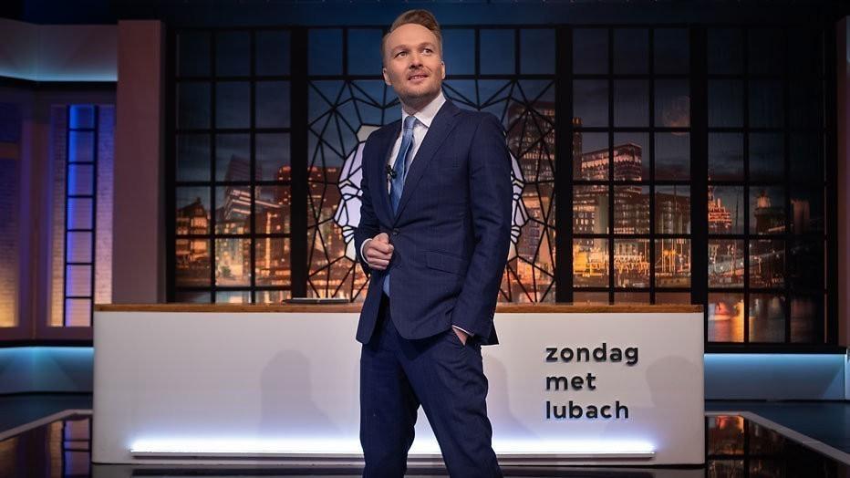 https://assets.televizier.nl/upload/z/t/Zondag-met-Lubach---Arjen-Lubach-staand-C-David-Cenzer.jpg