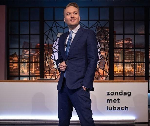 De TV van gisteren: Zondag met Lubach op het podium